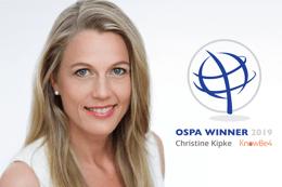 Christine Kipke zur herausragenden weiblichen Sicherheitsexpertin der OSPAs ausgezeichnet